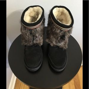 Minnetonka Black/Brown Suede/Faux Fur Ankle Boots